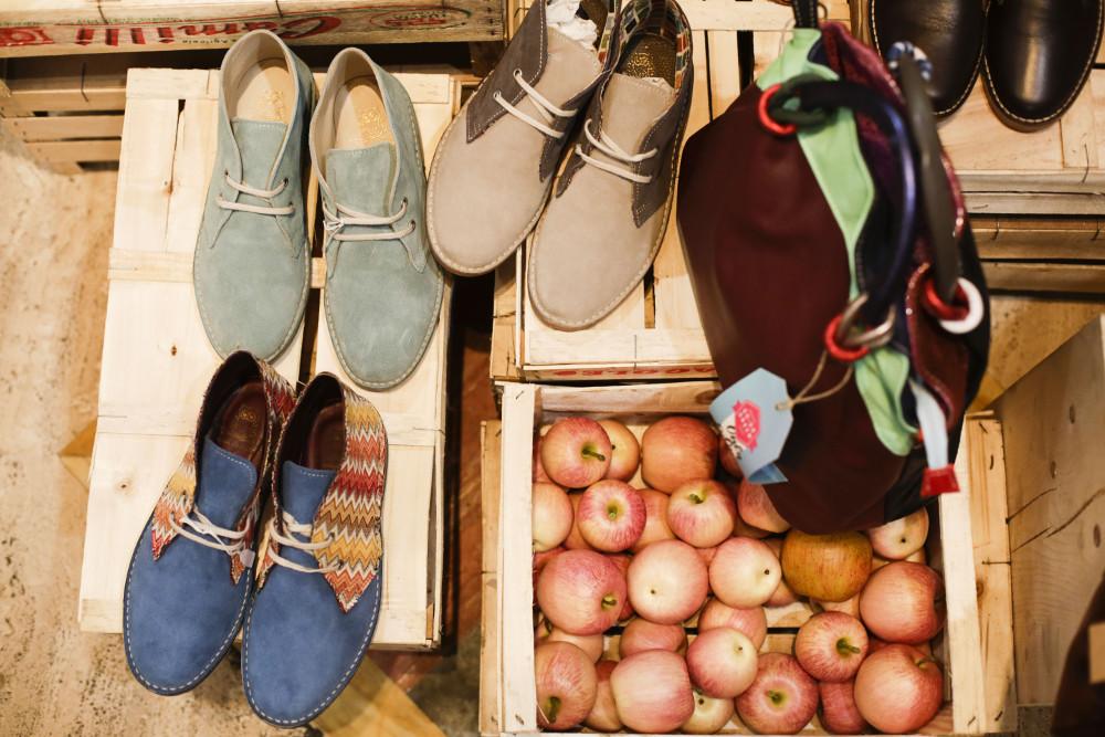 reputable site fa1a5 c8321 Scarpe-fatte-a-mano-su-misura-Campo-dei-Fiori | Bags & Fruits