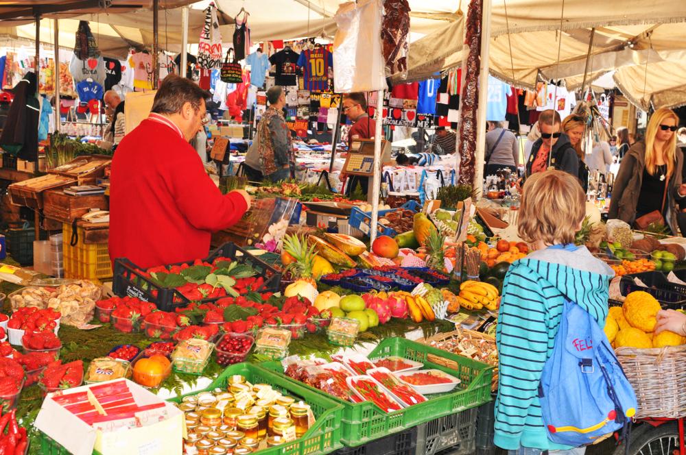 mercato campo dei fiori curiosita